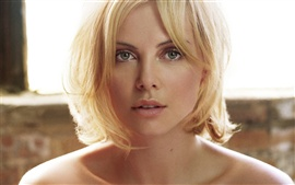 Preview wallpaper Charlize Theron 04