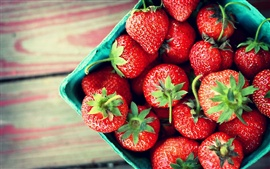 Preview wallpaper Delicious fresh strawberries