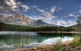 Preview wallpaper Patricia Lake Jasper Canada