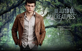 Preview wallpaper Alden Ehrenreich in Beautiful Creatures