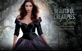 Alice Englert em Beautiful Creatures