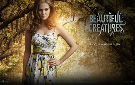 Preview wallpaper Zoey Deutch in Beautiful Creatures
