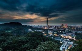 China, Taiwán, Taipei ciudad al atardecer por la noche, los edificios, las luces