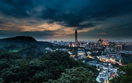 China Taiwan, Taipei cidade ao anoitecer noite, edifícios, luzes