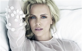 Preview wallpaper Charlize Theron 05