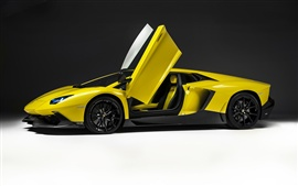 Preview wallpaper Lamborghini Aventador LP720-4 side view