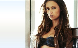 Preview wallpaper Summer Glau 09