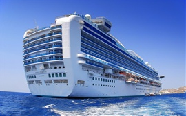 Vorschau des Hintergrundbilder Big Kreuzfahrtschiff im Ozean
