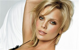 Preview wallpaper Charlize Theron 07