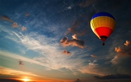 Preview wallpaper Hot air balloon in the sky at dusk