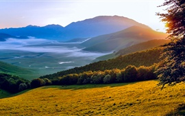 Preview wallpaper Italy Umbria morning sun, nature scenery