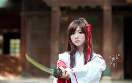 Восточные девушки, самураи, меч