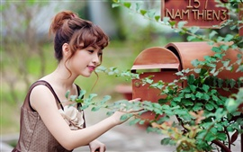 Preview wallpaper Asian pure girl check mailbox
