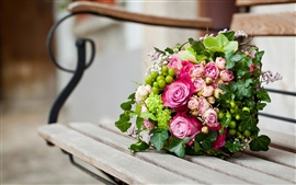 Preview wallpaper Bouquet of pink rose in a bench