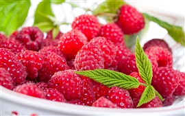 Preview wallpaper Fresh red raspberries