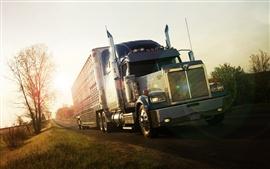Caminhão na estrada do sol
