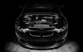 BMW M3 черного автомобиля, тюнинг двигателя