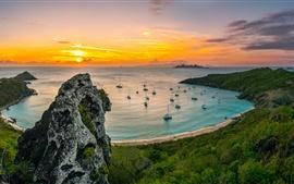 Paysage de la côte, la mer, la baie, plage, bateau, lever du soleil