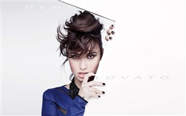 Preview wallpaper Demi Lovato 04