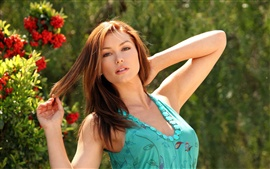 Preview wallpaper Heather Vandeven 01