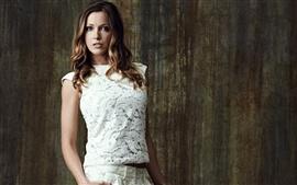 Katie Cassidy 01