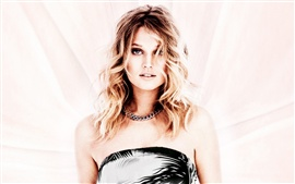 Preview wallpaper Toni Garrn 04