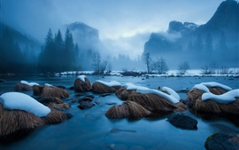 Winter snow, lake, rocks, trees, mountains, blue, fog