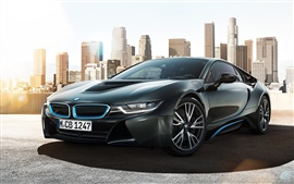 Preview wallpaper BMW i8 concept car in the city