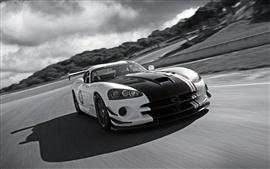 Dodge Viper SRT-10 суперкар в скорости