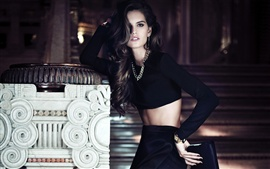 Preview wallpaper Izabel Goulart 03