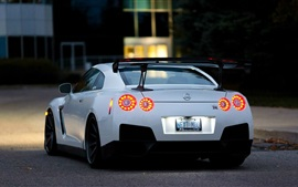 Preview wallpaper Nissan GTR R35 white car at evening