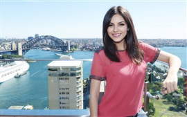 Preview wallpaper Victoria Justice 13