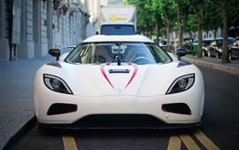 Koenigsegg vista frontal supercar blanco