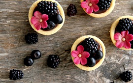 Preview wallpaper Food, blackberries, red flowers