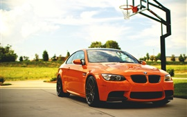 Aperçu fond d'écran BMW M3 E92 voiture orange, de basket-ball