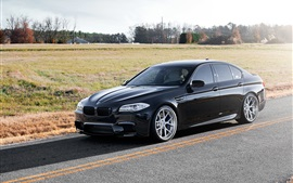 BMW M5 F10 вид сбоку черный автомобиль