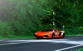 Lamborghini Aventador LP700-4 оранжевый суперкар в дороге