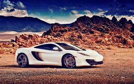 McLaren MP4-12C Vista lateral del coche blanco