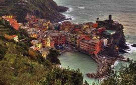 Manarola, Cinque Terre, Italie, maisons, mer Ligure, sur la côte