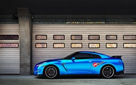Nissan GT-R синий автомобиль вид сбоку