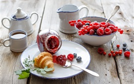 Breakfast, croissant, berries, raspberries, tea, tableware