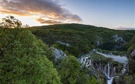 Национальный парк Плитвицкие озера, Хорватия, водопады, горы, деревья, утро