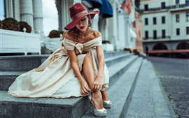Preview wallpaper Street style, girl, hat, city, Russia