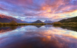 Preview wallpaper New Zealand, South Island, Wakatipu lake, mountains, water reflection, sky, clouds