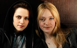 Preview wallpaper The Runaways, movie, Kristen Stewart, Dakota Fanning
