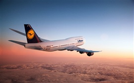 Preview wallpaper Boeing 747 aircraft in the dusk