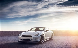 Preview wallpaper Nissan R35 GTR white car, sun, sky