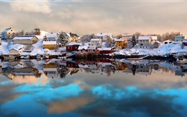 Preview wallpaper Norway, Lofoten, winter, house, snow, boats, water reflection