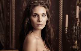 Preview wallpaper Caitlin Stasey 01