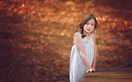 Aperçu fond d'écran Tristesse mignonne petite fille, automne